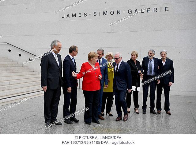 12 July 2019, Berlin: Michael Eissenhauer (l-r), Director General Staatliche Museen zu Berlin, David Chipperfield, architect, Michael Müller (SPD)