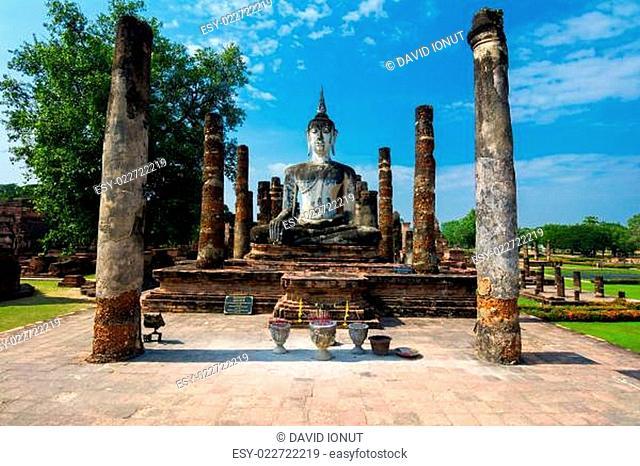 Sitting Budha in Wat Mahathat, Sukhothai,Thailand
