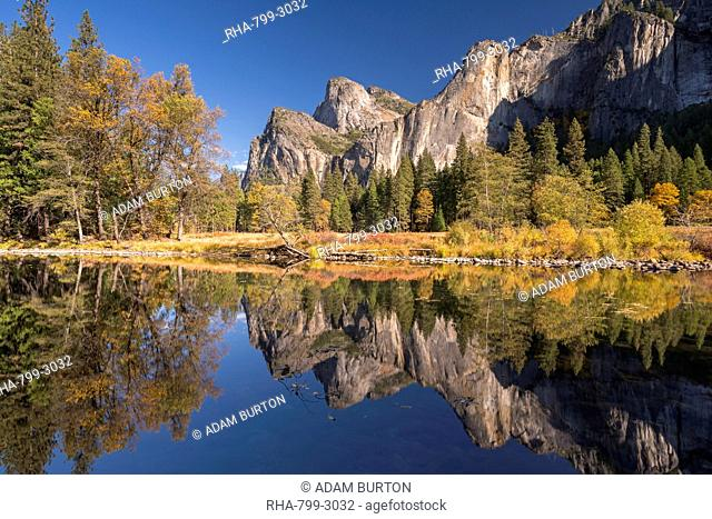Yosemite Valley reflected in the Merced River at Valley View, Yosemite National Park, UNESCO World Heritage Site, California, United States of America