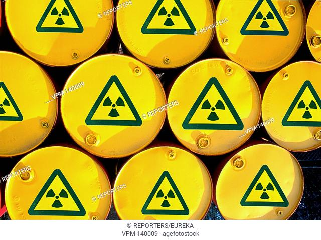 Nuclear waste transport ; Transports de dechets nucleaires, kernafval, Reporters / EUREKA