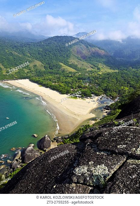 Brazil, State of Sao Paulo, Ilhabela Island, Elevated view of the beach in Bonete.
