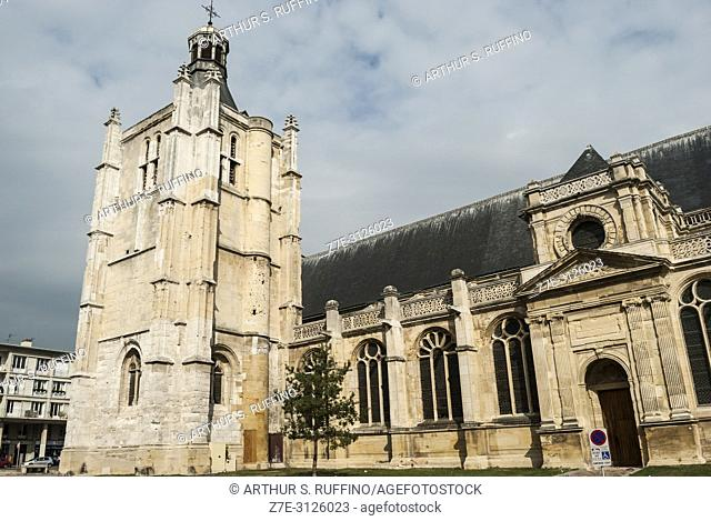 Side view of Notre Dame Cathedral of Le Havre. Le Havre, UNESCO World Heritage Site, Seine-Maritime Department, Normandy, France, Europe
