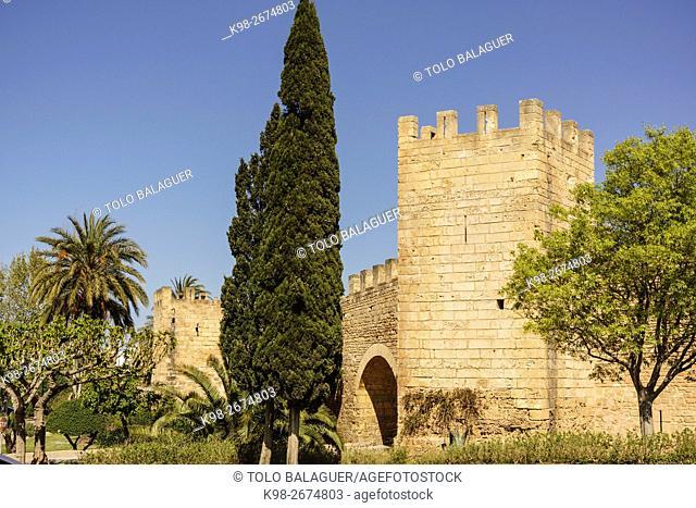 muralla medieval, siglo XIV, Alcudia, Majorca, Balearic Islands, Spain
