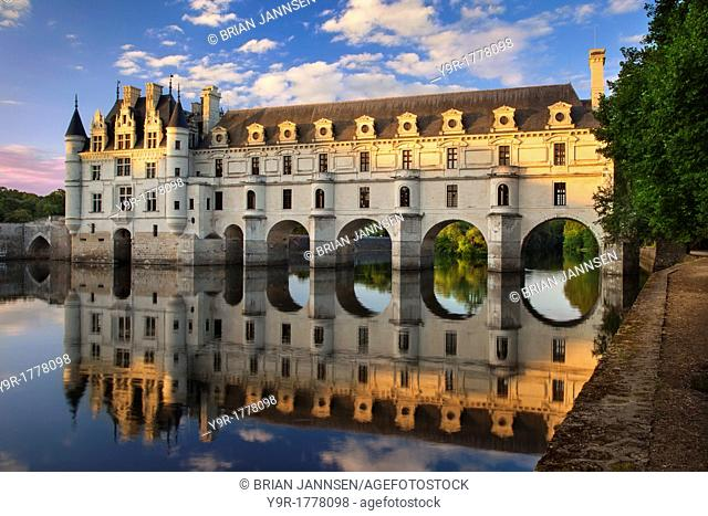 Evening sunlight on Chateau Chenonceau and River Cher, Indre-et-Loire, Centre France