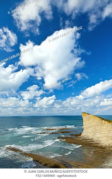 Flysch, Mendata beach, Deva, Gipuzkoa, The Basque Country, The Bay of Byscay, Spain, Europe