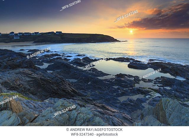 The setting sun captured from the cliffs above Treyarnon Bay on the north coast of Cornwall