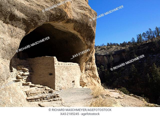 USA, New Mexico, Gila Cliff Dwellings National Monument, constructed over 700 years ago