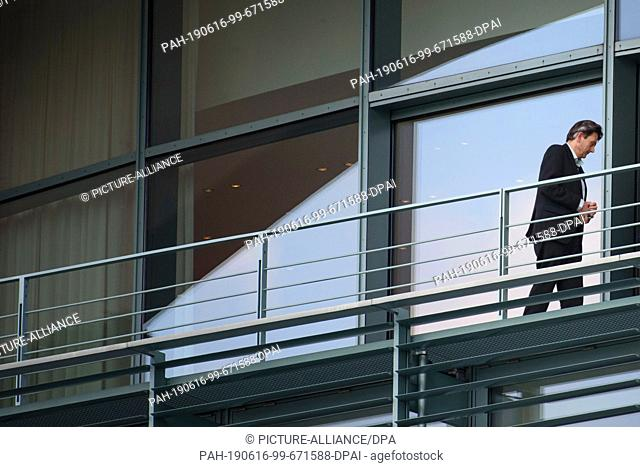 16 June 2019, Berlin: Rolf Mützenich, provisional chairman of the SPD parliamentary group, walks across a balcony in the Chancellor's Office before the...