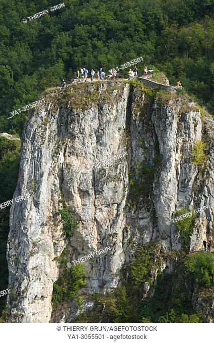 France, Quercy, Lot (46), Saint-Cirq-Lapopie village, La Popie rock