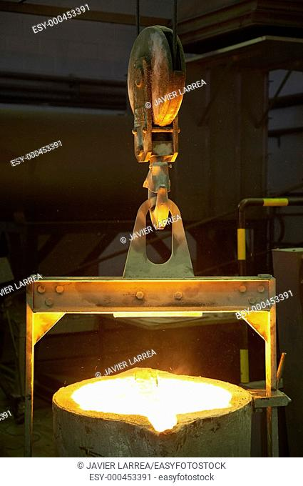 Iron foundry, casting preparation