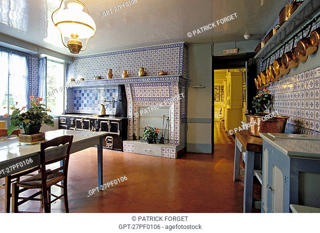 KITCHEN FROM THE TIME OF CLAUDE MONET, GIVERNY, EURE 27, NORMANDY, FRANCE