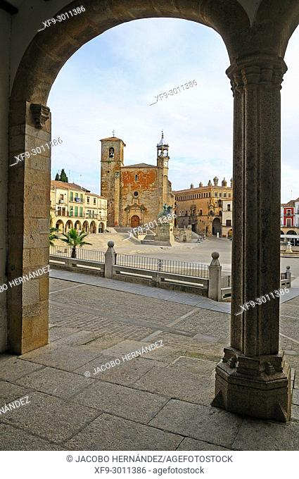 Main square of Trujillo. Cáceres province. Extremadura. Spain
