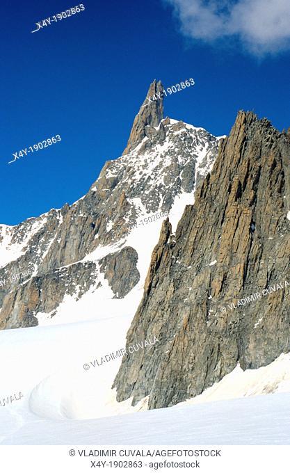 Dent du Geant, Mont Blanc mountain massif, Savoy Alps, France