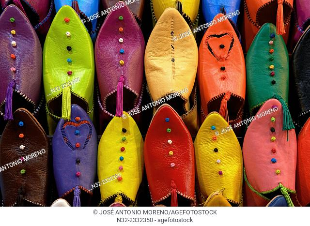 Babouches, Traditional footware, Medina, Marrakech, Souk, UNESCO World Heritage Site, Morocco, Maghreb, North Africa