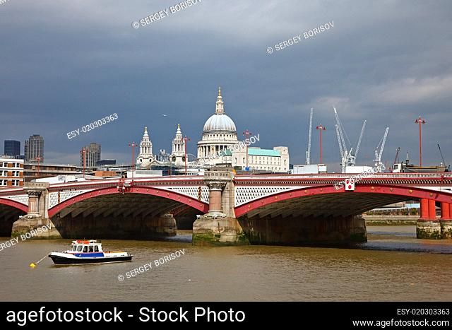 St. Paul Cathedral and Blackfriar's Bridge