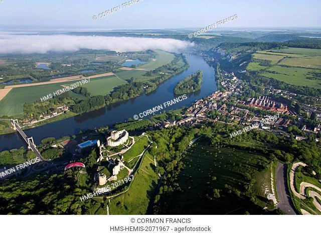 France, Eure, Les Andelys, Chateau Gaillard, 12th century fortress built by Richard Coeur de Lion, Jens in flight, ITV Boxer paragliding
