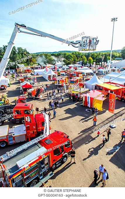 EQUIPMENT PARK, PRESENTATION OF FIRE DEPARTMENT VEHICLES, NATIONAL CONFERENCE OF THE FRENCH FEDERATION OF FIREFIGHTERS, AGEN, SEPTEMBRE 2015