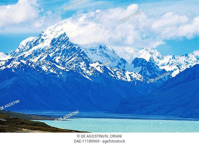 Tekapo lake with Aoraki-Mount Cook (3724 m) in the background, New Zealand
