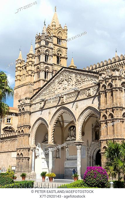 The Gothic portico and main entrance to The Cattedrale in central Palermo, Sicily, Italy