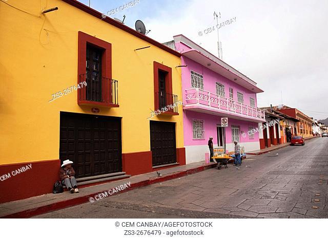Street scene from the town center, San Cristobal de las Casas, Chiapas State, Mexico, North America