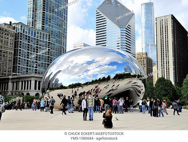 Chicago's CloudGate or Bean sculpture in Millennium Park