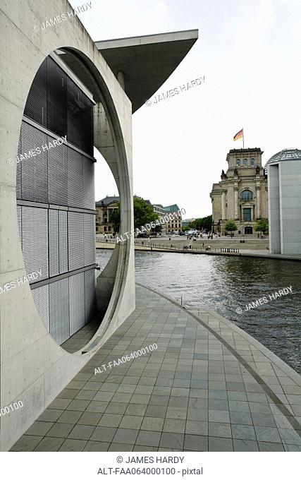Germany, Berlin, Marie-Elisabeth-Lüders-Haus parliamentary library along the River Spree
