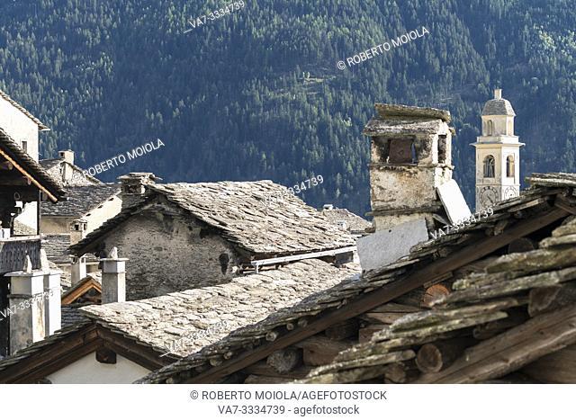 Stone roofs of traditional houses, Soglio, Bregaglia Valley, Maloja Region, Canton of Graubunden, Switzerland