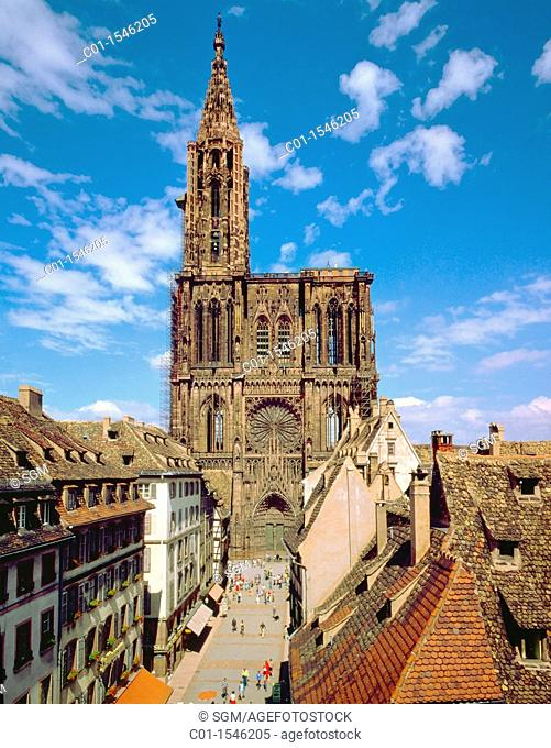 'Notre-Dame' Gothic cathedral, 14th century, Strasbourg, Alsace, France