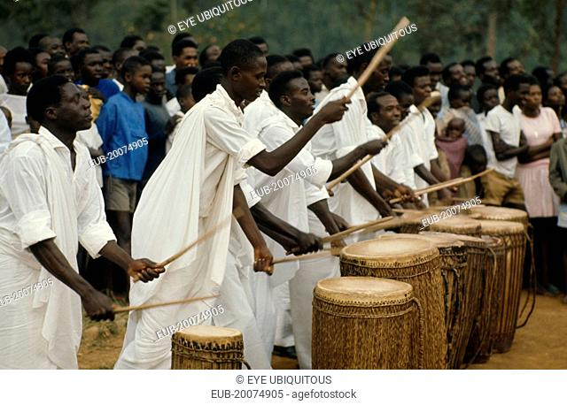 Tutsi drummers playing to crowd