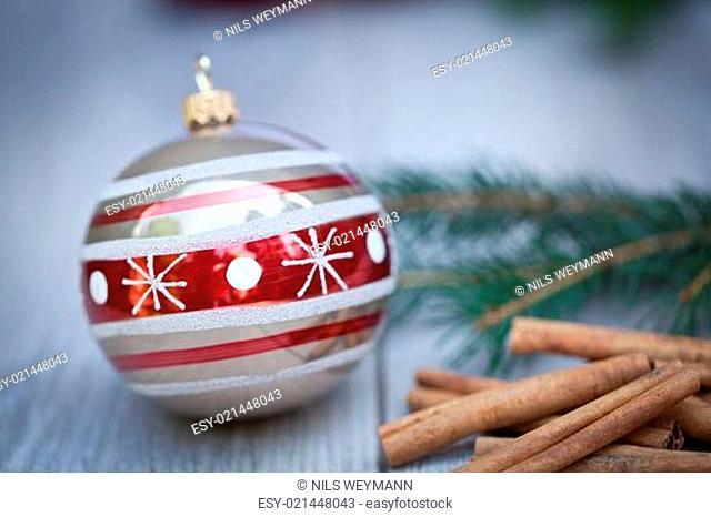 festlicher dekorative weihnachtsdekoration christbaumkugel