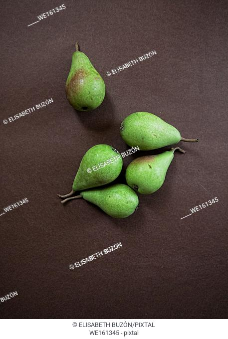 Pears green on bottom brown