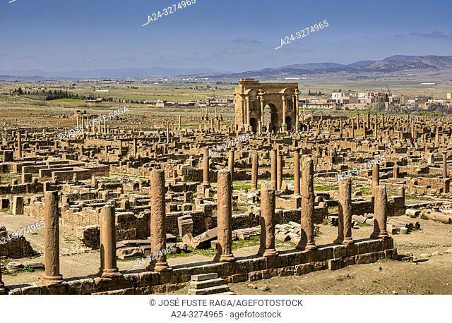 Algeria, Timgad City, Roman ruins of Timgad, UNESCO, (W. H. ), Trajan's Arch, Panorama