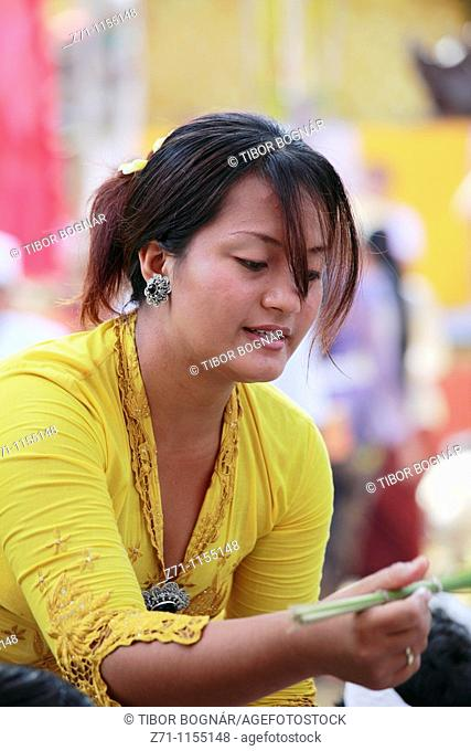 Indonesia, Bali, Mas, temple festival, woman, odalan, Kuningan holiday