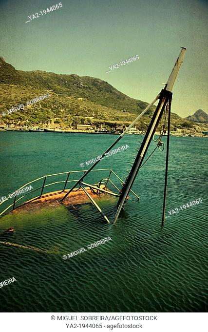 Sunken boat in Hout Bay Harbour