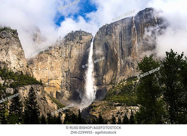 Yosemite Fall, Yosemite National Park, California USA