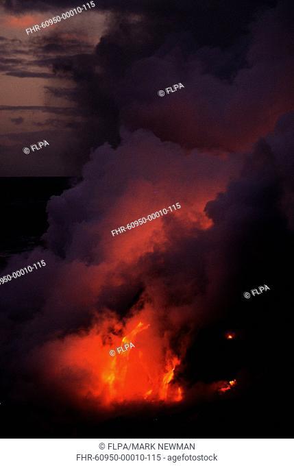 Lava flowing into ocean, Puu Oo Vent, Kilauea Volcano, Volcanoes N P , Big Island, Hawaii