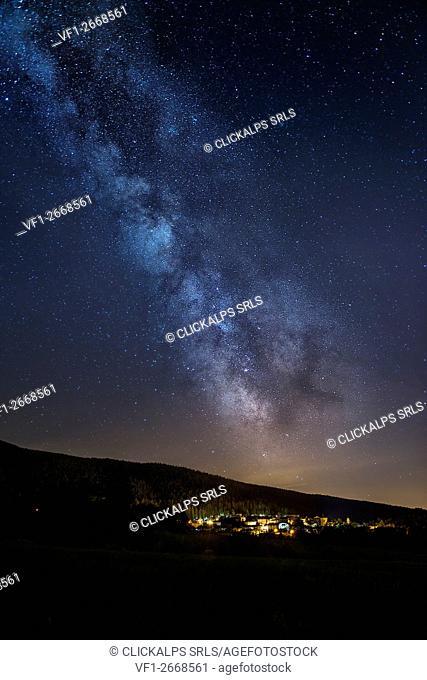 Italy, Trentino Alto Adige, Non valley, starry night over Don Village