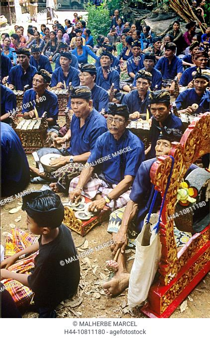 Asia, Bali, Asia, Denpasar, Gamelan Orchestra, Indonesia, cremation ceremony, music, musician, no model release