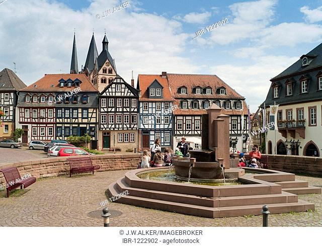 Obermarkt, half-timbered houses, Marienkirche Church in the back, landmark of Gelnhausen, Hesse, Germany, Europe