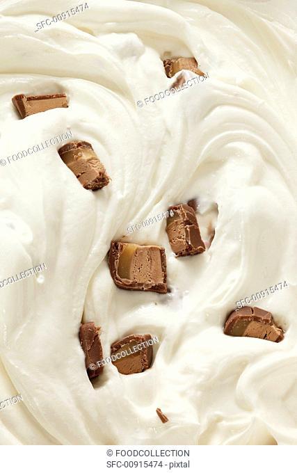Ice cream with chocolate bar chunks