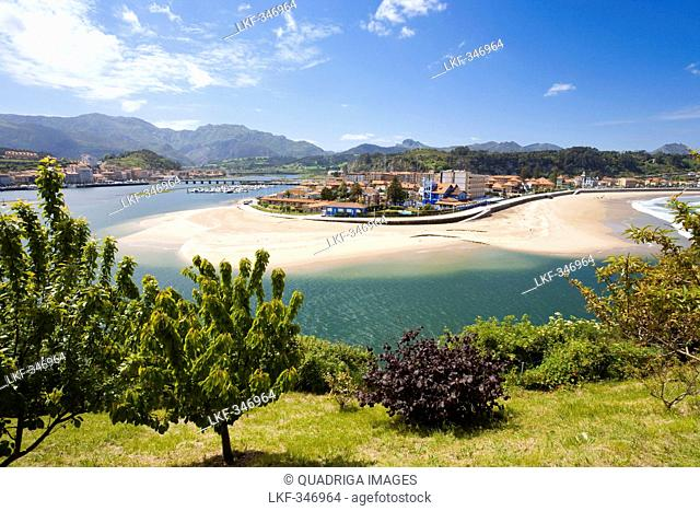 Sweeping beach and river mouth of the river Sella at the city of Ribadesella, Asturia, Spain, Europe