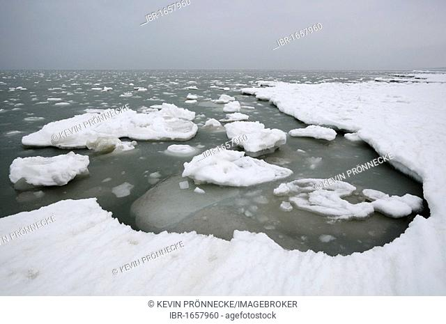 Ice floes in the Baltic Sea, Ruegen Island, Mecklenburg-Western Pomerania, Germany, Europe