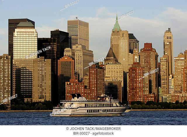 USA, United States of America, New York City: Skyline of the west side of downtown Manhattan, Financial District, NY Waterway Ferry Hudson river