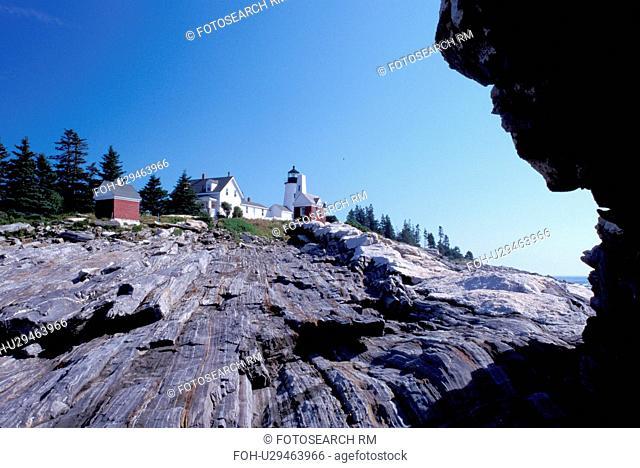 Pemaquid Head Light, lighthouse, Pemaquid Point, Bristol, Maine, ME, Pemaquid Head Light along the rocky coast of the Atlantic Ocean