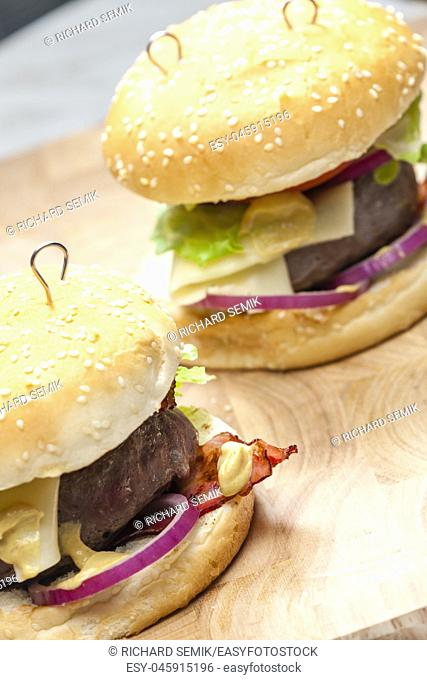 beef burger with cheese