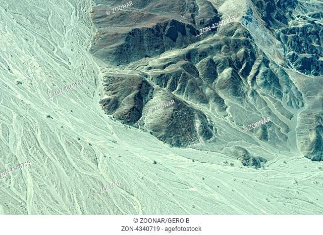 Astronaut Nazca Linien Peru - bedrohtes Weltkulturerbe das man nur aus dem Flugzeug richtig bestaunen kann, Astronaut Nazca Lines in Peru-Endangered World...