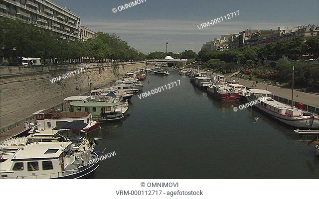 ZI Canal Saint-Martin / Paris, France