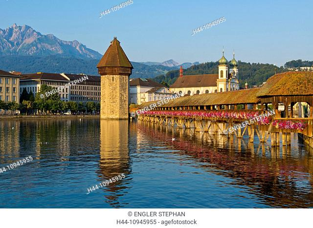 Switzerland, Europe, Lucerne, Luzern, town, city, Old Town, chapel bridge, Reuss, river, bridge, landmark, touristical