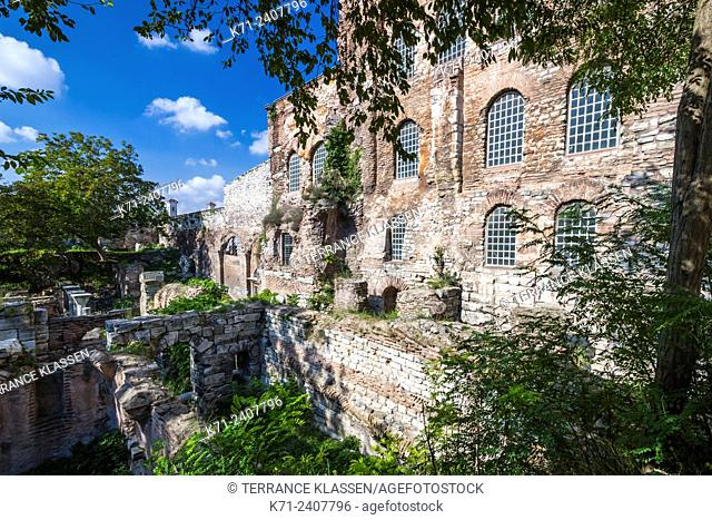 Church of Hagia Eirene in the First Courtyard of the Topkapi Palace in Sultanahmet, Istanbul, Turkey, Eurasia