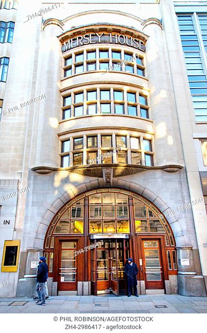 London, England, UK. Mersey House, 132 - 134 Fleet Street. Portland stone facade, 1906